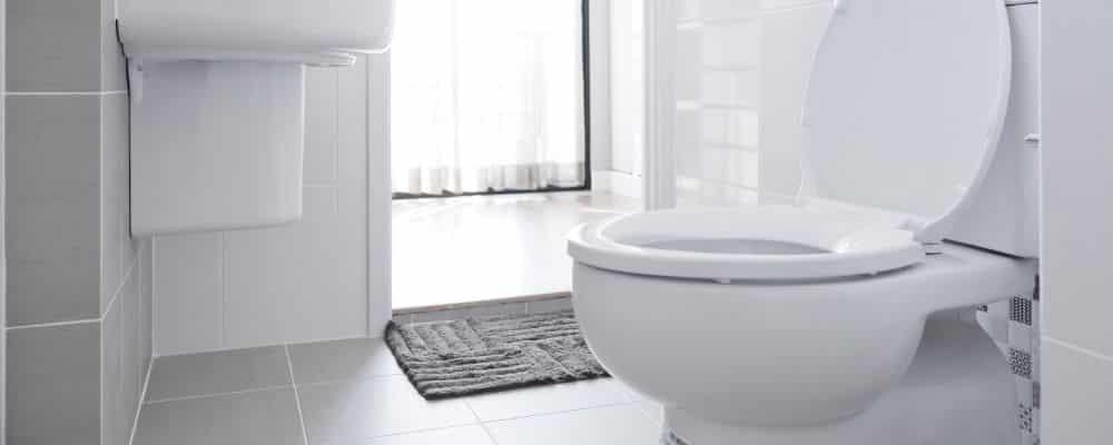 Reparaturen für gluckernde Toilette